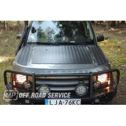 Nakładka z aluminiowej blachy ryflowanej na maskę Land Rover Discovery
